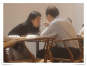 和泉洋人補佐官 経歴 学歴