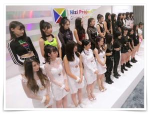 虹(Niji)プロジェクトのキューブペンダント