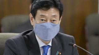 西村大臣のマスク型紙と作り方画像