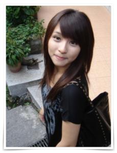 峮峮(チュンチュン),吳函峮(ウー・ハンチュン)の大学生時代のかわいい画像
