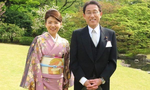 岸田文雄と夫人のインスタ画像
