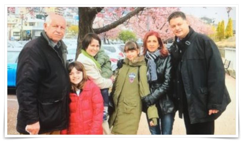 嵐莉菜の妹と弟と父親と母親と家族の画像
