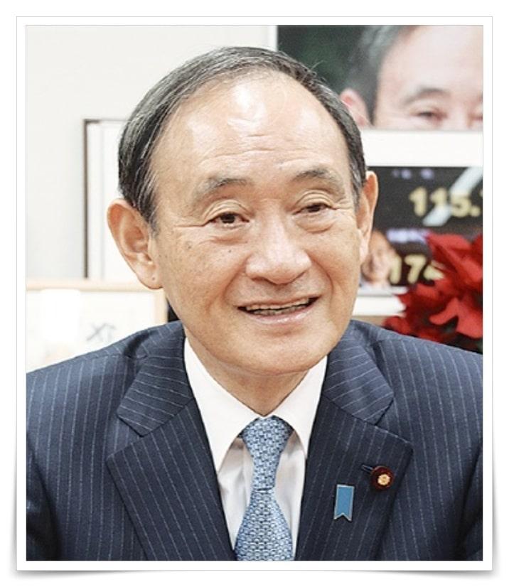 菅義偉官房長官、総理大臣のハゲてかつら疑惑の画像