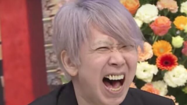 手塚とおるの髪色がピンク紫の理由と画像