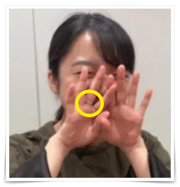 佐藤健と上白石萌音の匂わせ指輪画像
